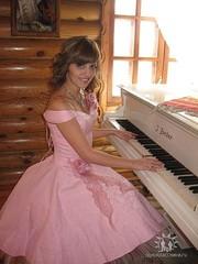 Продам коктельное платье 1 раз одевалось 42-44 размер на рост 155-160
