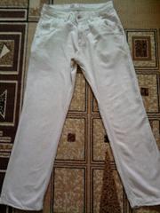 Джинсы и льняные брюки на лето