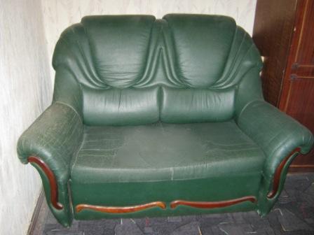 Ррочно.  Продается новый диван из белого кожзама - Черемушки.