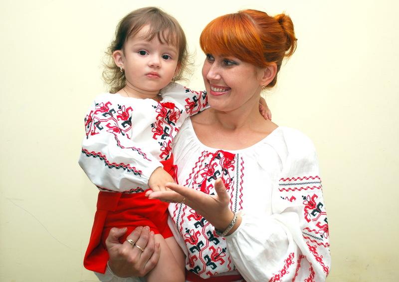 Вышитые детские платья для девочек