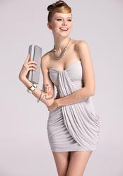 Красивое трикотажное платье светло-серого цвета, размер S, хорошо...