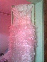 Вечернее платье, розовое, с разрезом с левой стороны, продам срочно, торг.
