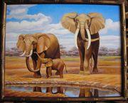 Продам картину Слоны