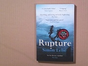 "Simon Lelic .""Rupture"" (англ.яз.)"