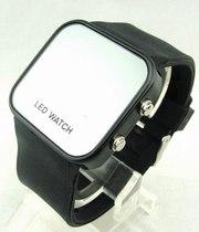 Часы наручные черные LED