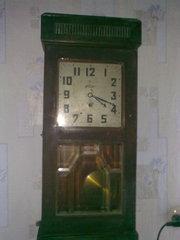 Настенные часы 1937 года,  исправные