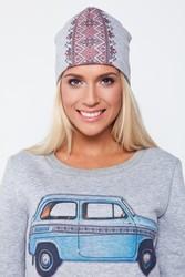 Осенняя шапка с национальным украинским узором в наличии