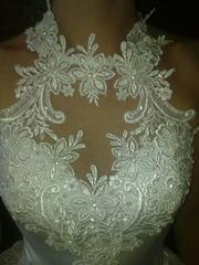 Продам платье красивое,  белое