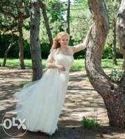 Свадебное платье (цвет айвори) из французской сетки. Цена снижена!!!