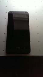 Продам телефон HTS One