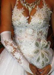 Новое шикарное свадебное платье с фатой и подъюбниками в подарок