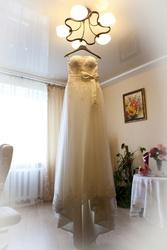 Свадебное платье 3500 грн. Цвет айвори,  шлейф пристегивается