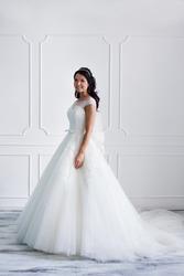 Шикарное испанское свадебное платье Daria Karlozi