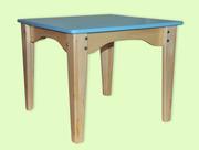 Комбинированный детский столик из дерева
