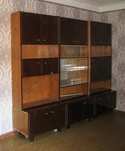 Срочно продам в Днепропетровске стенку в гостиную 4-х секционную