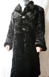 Продам черную  шубу под котик,  размер 52-54