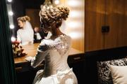 Свадебное платье с кружевом,  цвета айвори