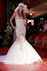 Свадебное платье Цветы из атласа