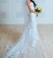 очень красивое свадебное, белоснежное платье, дизайнерское, единственное!
