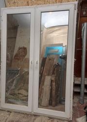 Окно Металлопластиковое б/у,  с зеркальной пленкой,  подоконником и сеткой
