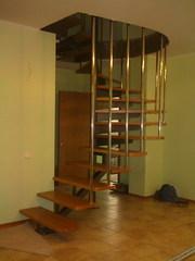 Изготовление на заказ лестниц,  перил и ограждений различной сложности